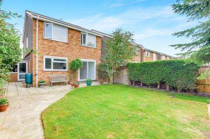 4 Bedrooms Link Detached House for sale in Flexmore Way, Langford, Biggleswade, Bedfordshire