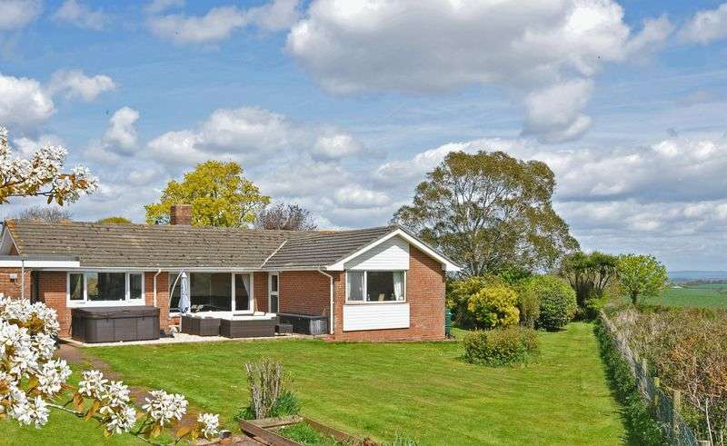 4 Bedrooms Detached Bungalow for sale in Kennford