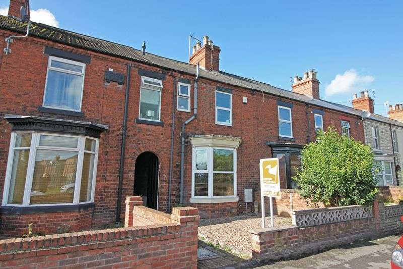 3 Bedrooms Terraced House for sale in West Carr Road, Retford