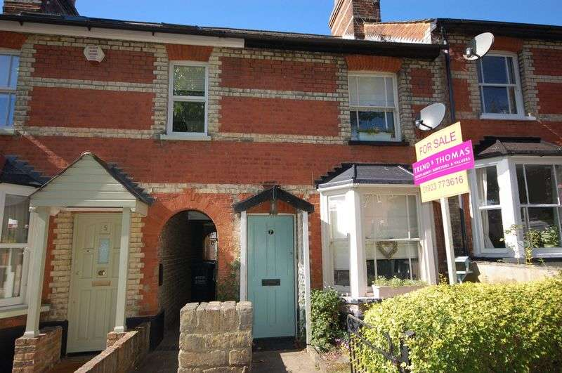 2 Bedrooms Terraced House for sale in Parsonage Road, Rickmansworth, WD3 1AE