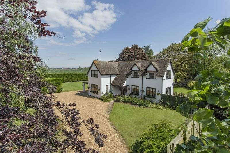 3 Bedrooms Detached House for sale in Longacre, Wisbech, Norfolk