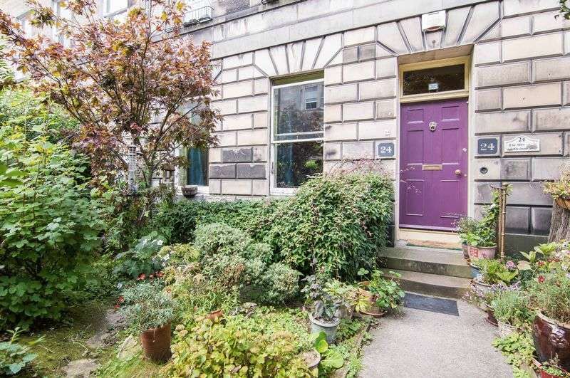 3 Bedrooms Flat for sale in 24 Rankeillor Street, Newington, Edinburgh, EH8 9HY