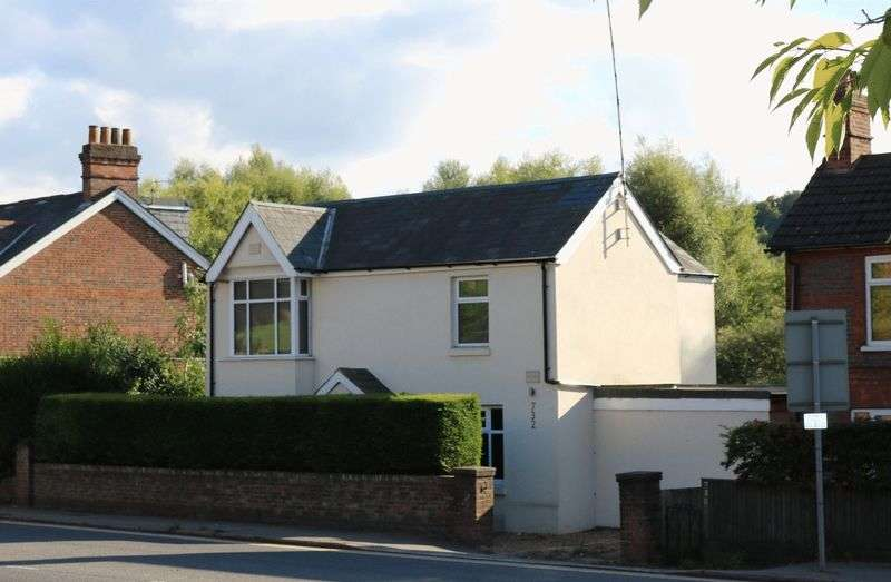4 Bedrooms Detached House for sale in 4 Bed Detached House, High Wycombe
