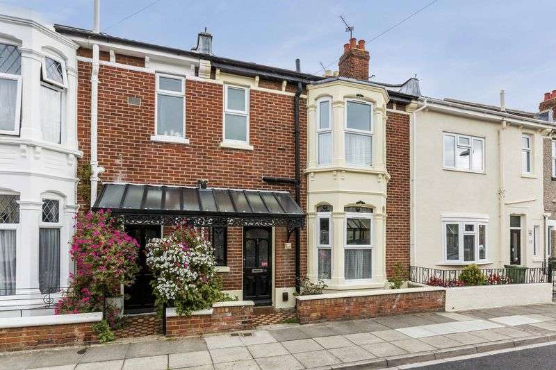 3 Bedrooms Terraced House for sale in Aston Road, Southsea