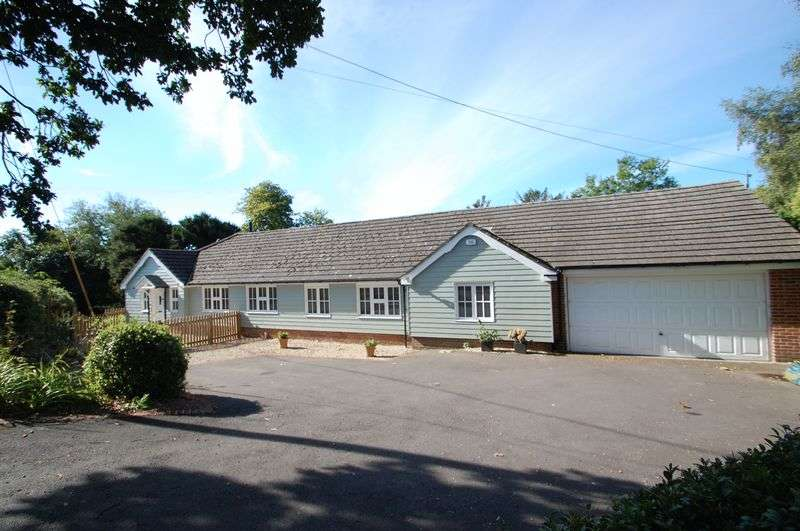 3 Bedrooms Detached Bungalow for sale in Ridge Common Lane, STEEP, Hampshire