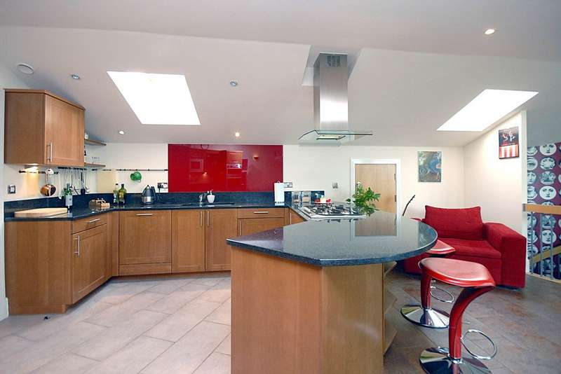 3 Bedrooms Apartment Flat for sale in Penthouse - The Island, Brentford