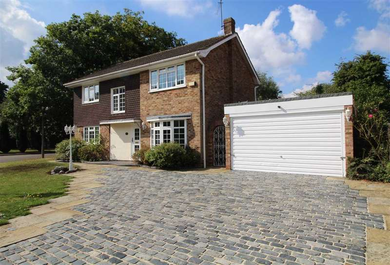 4 Bedrooms House for sale in St. Andrews Place, Shenfield