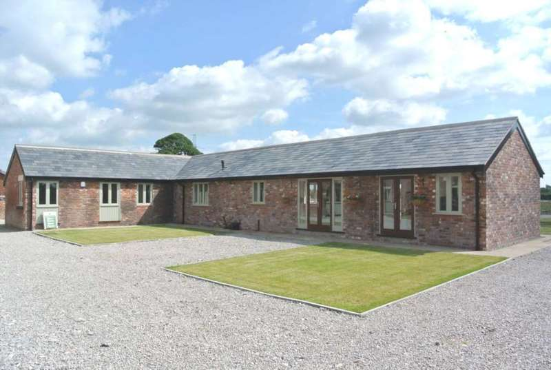 3 Bedrooms Detached Bungalow for sale in Lodge Bungalow, Lodge Farm, Thistleton Road