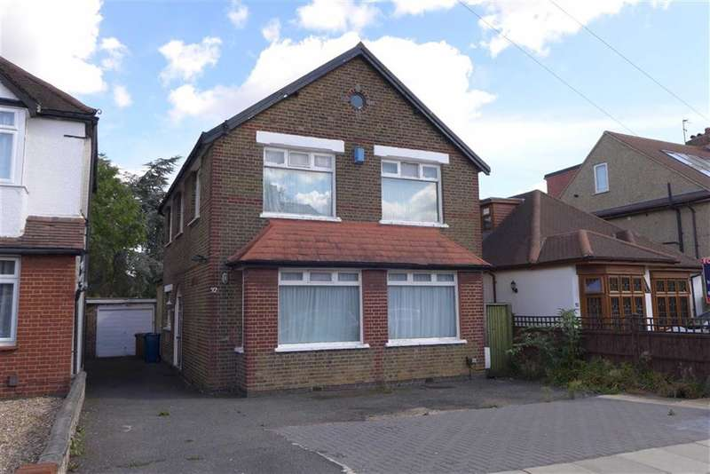 5 Bedrooms Property for sale in Whitchurch Gardens, Edgware, Middlesex