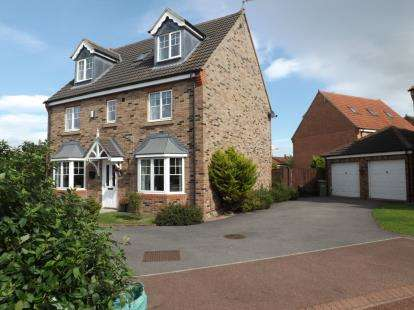 6 Bedrooms Detached House for sale in Apsley Way, Ingleby Barwick, Stockton-On-Tees