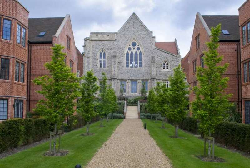 2 Bedrooms Apartment Flat for sale in The Chapel, Galleries, Brentwood