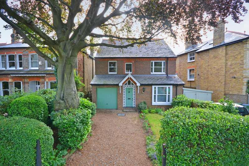 4 Bedrooms Detached House for sale in St Margarets