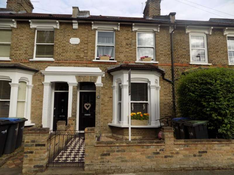 4 Bedrooms Terraced House for sale in Shirley Road, Enfield, EN2