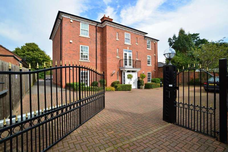 3 Bedrooms Property for sale in The Stalls, Payton Street, Stratford Upon Avon