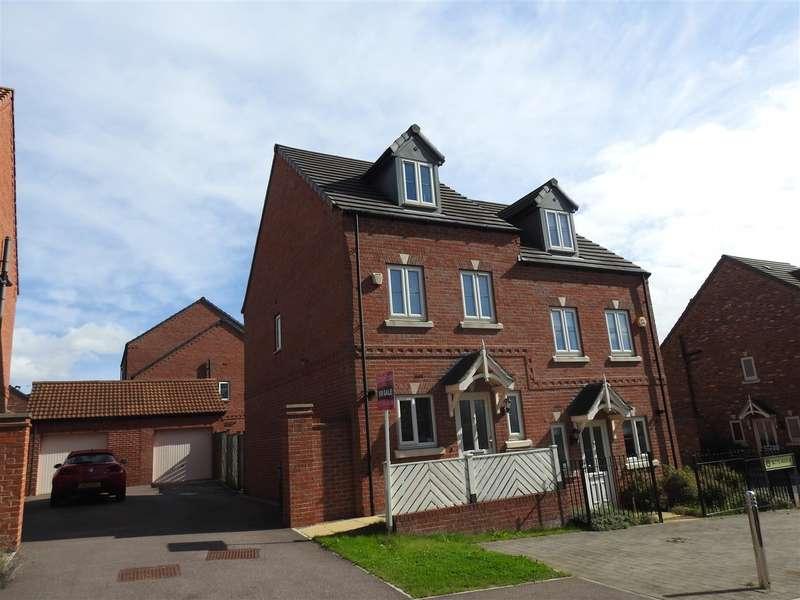 3 Bedrooms Property for sale in Betts Avenue, Hucknall, Nottingham
