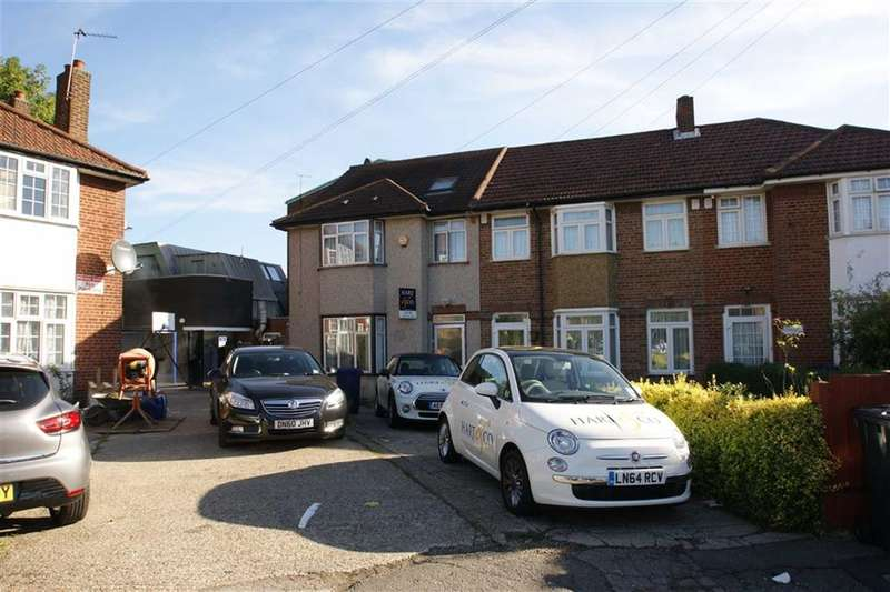 3 Bedrooms Property for sale in Sunningdale Avenue, East Acton