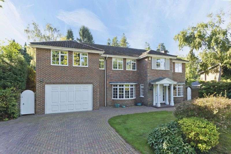 4 Bedrooms Detached House for sale in Priors Wood, Crowthorne
