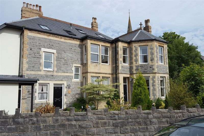 2 Bedrooms Maisonette Flat for sale in Victoria Avenue, Penarth
