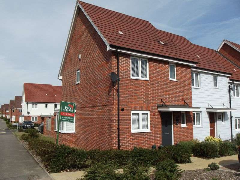 3 Bedrooms Terraced House for sale in Virginia Court, Dartford