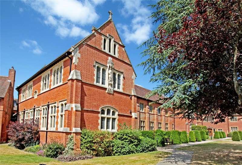 2 Bedrooms Flat for sale in Abbey Gardens, Upper Woolhampton, Reading, Berkshire, RG7
