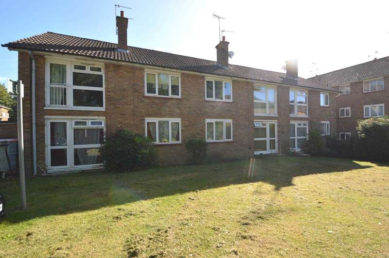 1 Bedroom Apartment Flat for sale in Friern Park, London