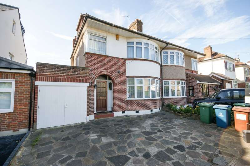 4 Bedrooms Semi Detached House for sale in St Michaels Crescent, Pinner