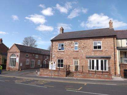1 Bedroom Flat for sale in High Street, Farndon, CH3