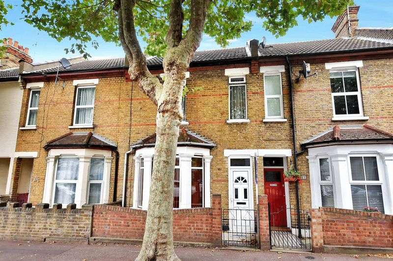 3 Bedrooms Terraced House for sale in Tudor Road, Westcliff-On-Sea