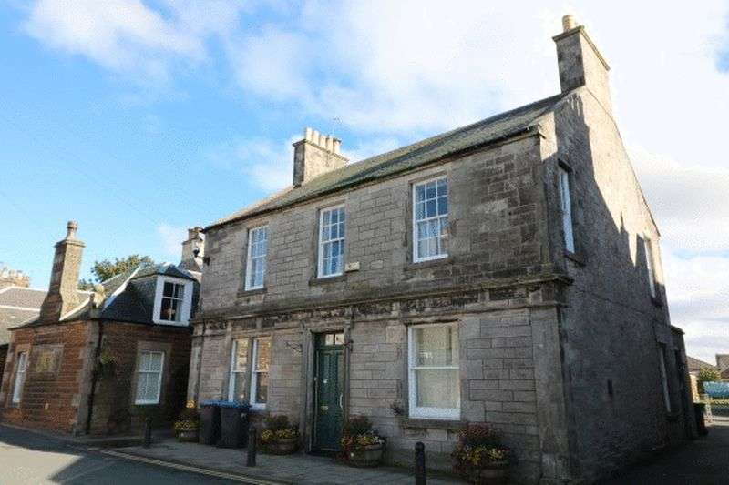 3 Bedrooms Flat for sale in Benholm, Main Street, West Linton.