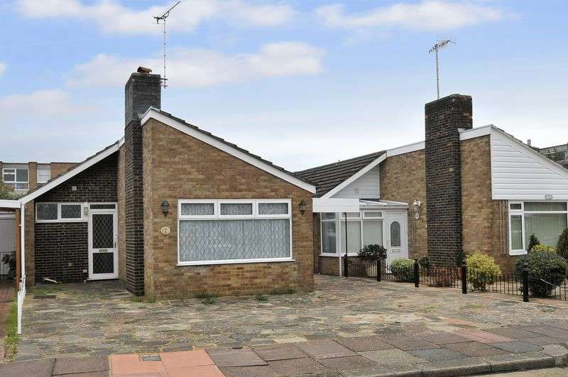 2 Bedrooms Bungalow for sale in Blenheim Avenue, Worthing
