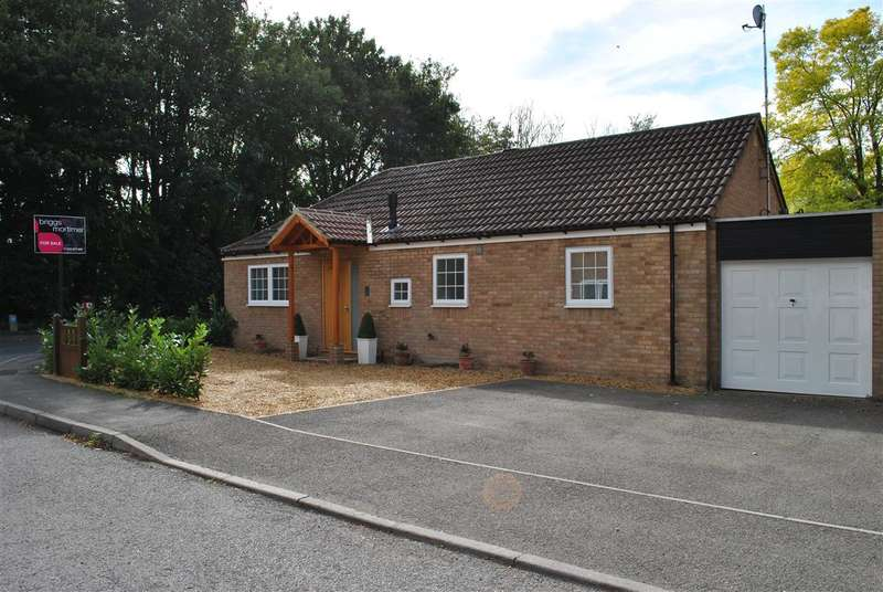 3 Bedrooms Detached House for sale in St Marys Walk, Royston