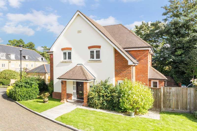 4 Bedrooms Detached House for sale in Kay Close, Tring