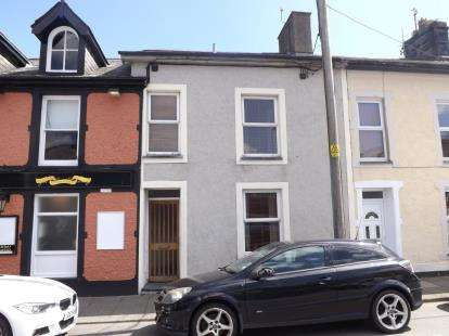 2 Bedrooms Terraced House for sale in New Street, Porthmadog, Gwynedd, LL49