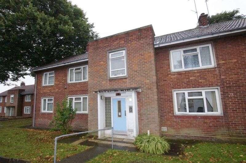 1 Bedroom Flat for sale in Hazel Grove, Acton, Wrexham