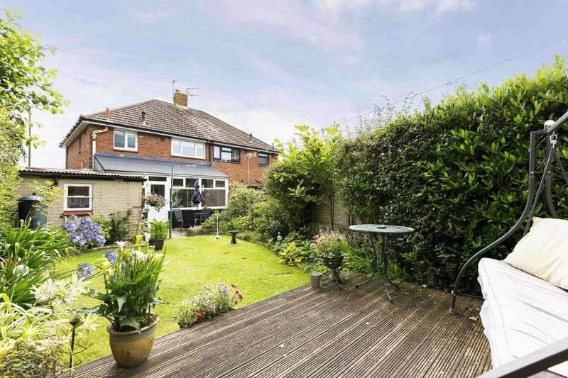 3 Bedrooms Semi Detached House for sale in Waterworks Road, Farlington
