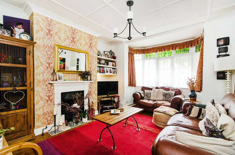 3 Bedrooms House for sale in Vaughan Road, West Harrow, HA1