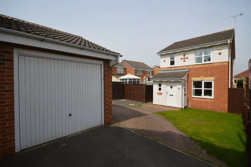 3 Bedrooms Detached House for sale in White Court, Crofton, Wakefield
