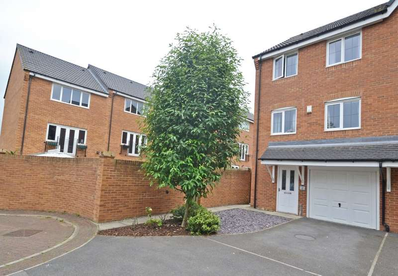4 Bedrooms Town House for sale in Redshank Place, Horbury Bridge
