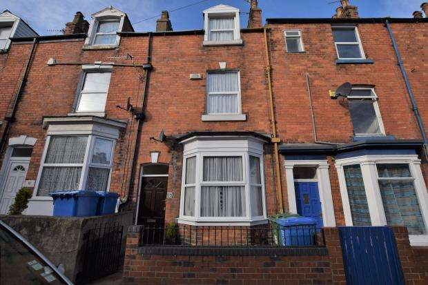 3 Bedrooms Town House for sale in Trafalagar Road, Scarborough, North Yorkshire YO12 7QR