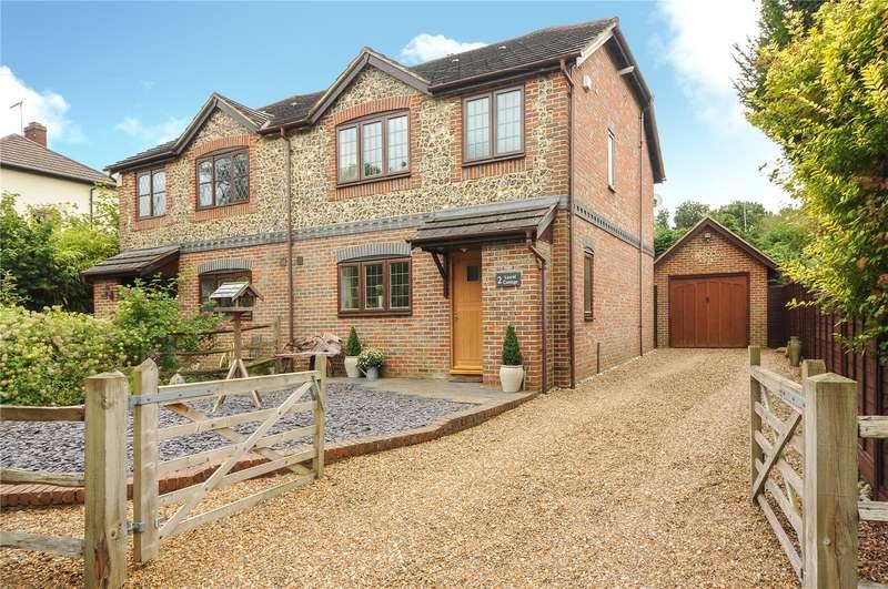 3 Bedrooms Semi Detached House for sale in Laurel Cottage, Mushroom Castle, Winkfield, Berkshire, RG42