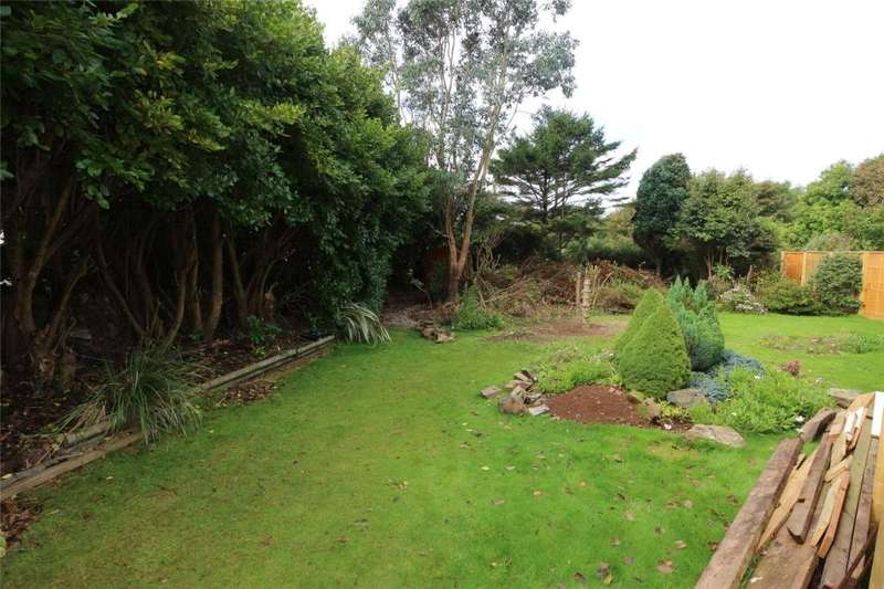 4 Bedrooms Detached House for sale in Rosewarne Close, Camborne