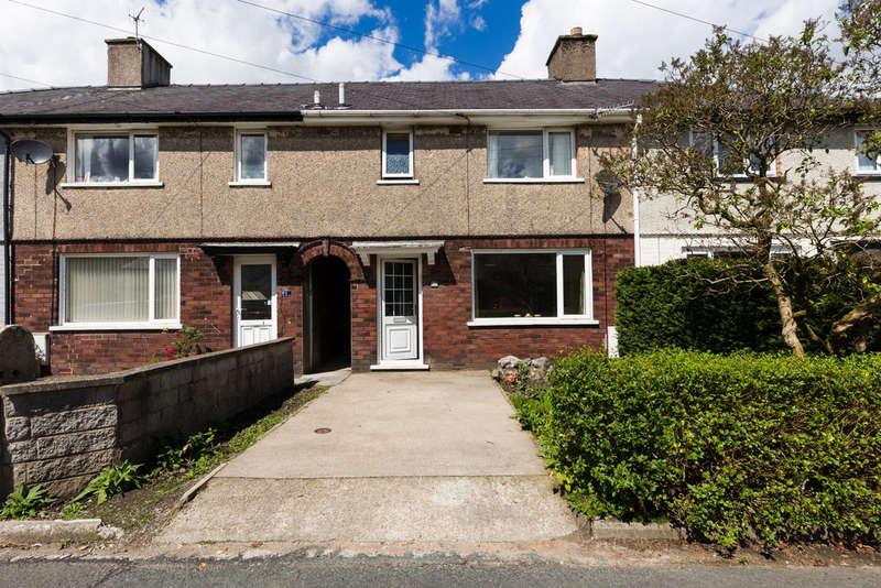 3 Bedrooms Terraced House for sale in 3 Castle Dale, Kendal, Cumbria LA9 7BG