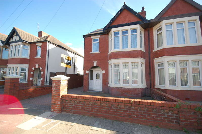 3 Bedrooms Semi Detached House for sale in Woodstock Gardens, Blackpool