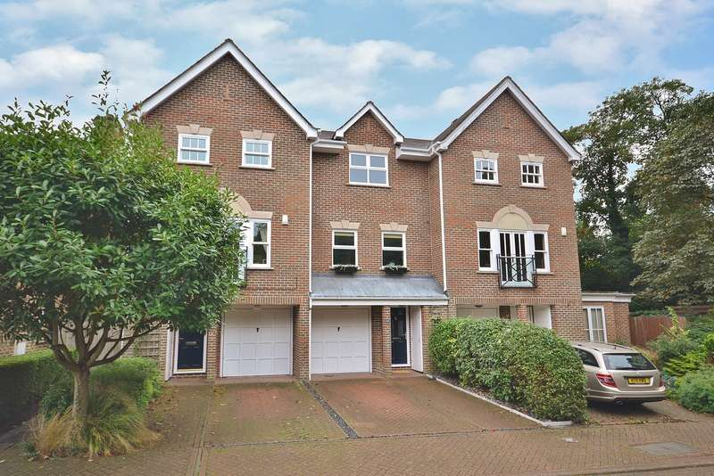 4 Bedrooms Town House for sale in Thames Ditton