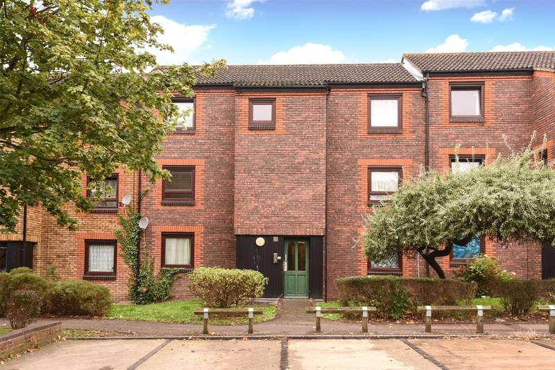 1 Bedroom Apartment Flat for sale in Hartington Close, Harrow, Middlesex, HA1