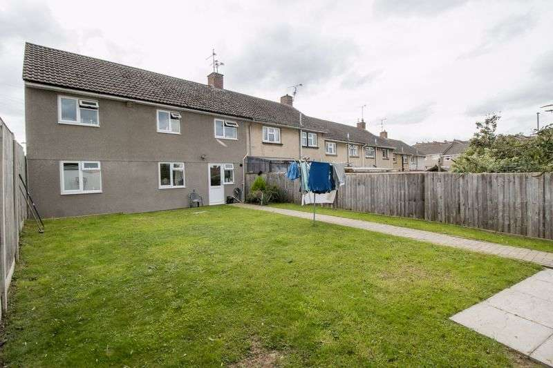 2 Bedrooms Flat for sale in Lincoln Close, Keynsham