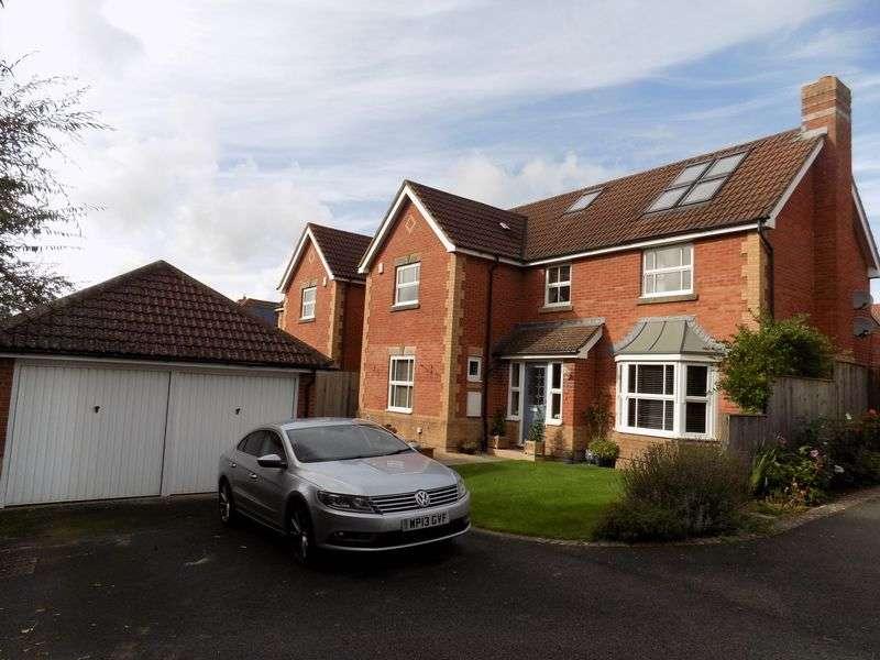 6 Bedrooms Detached House for sale in Standen Way, Swindon