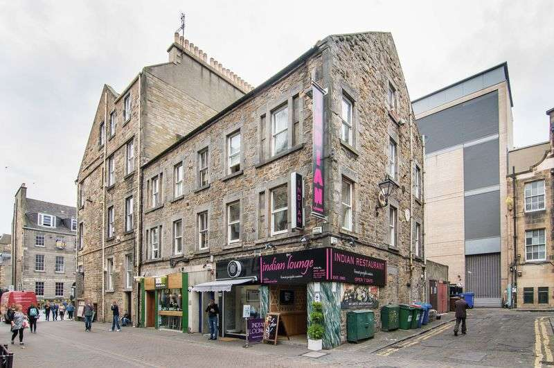 2 Bedrooms Flat for sale in 129/5 Rose Street, New Town, Edinburgh, EH2 3DT