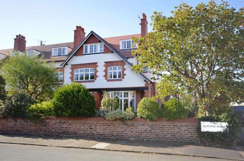 6 Bedrooms Semi Detached House for sale in Marine Road, Hoylake