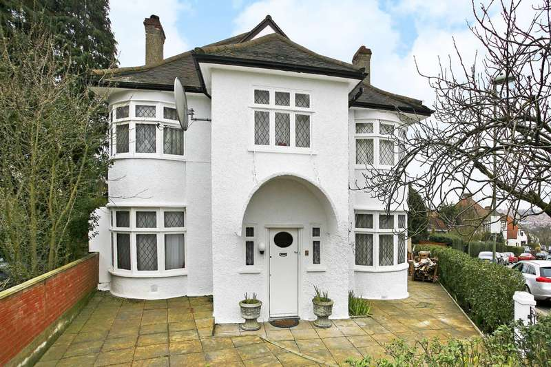 4 Bedrooms Detached House for sale in Endersleigh Gardens, Hendon, NW4